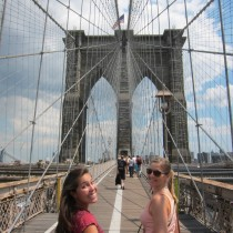 Kim and Stephanie in classic Brooklyn Bridge pose